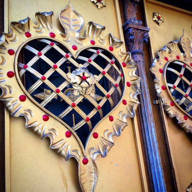ornate door in Tenderloin