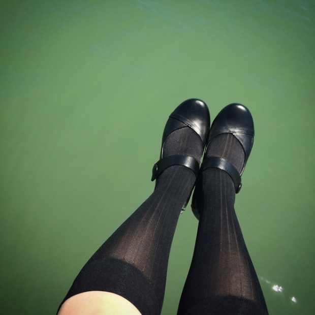 feet over the water on Pier 27
